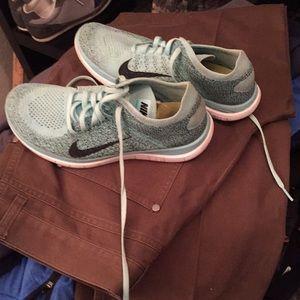 Nike Free 4.0 flyknit Shoes Size 8